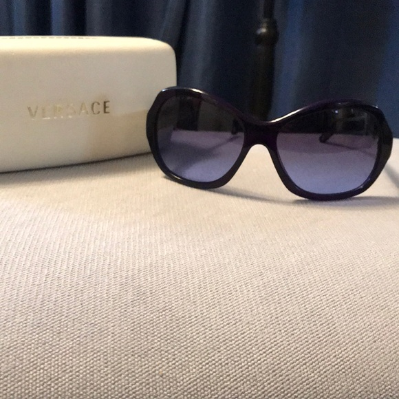 0a92c02dc82f Like New! Versace VE 4191 Sunglasses. M 5c6ed62d7386bc42d4075eec. Other  Accessories ...